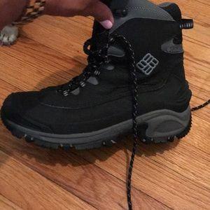 LIKE NEW Columbia waterproof winter boots